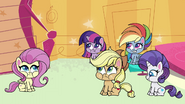 Main ponies chewing on squishy cubes PLS1E3b