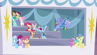 Ponies in private box back away from Bow and Windy S7E7