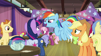 """Rainbow """"hope you get paired with me"""" S9E16"""