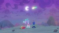 Shooting star passes over the princesses S9E13