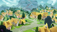 Wide view of Ponyville S8E3