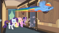 Main ponies following Pinkie S02E14