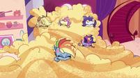 Main ponies start eating the batter PLS1E1b