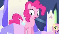 Pinkie's cutie mark glows S5E01