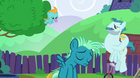 Young Sky Stinger feeling left out S6E24