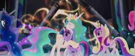 Princess Celestia hugging Twilight Sparkle MLPTM