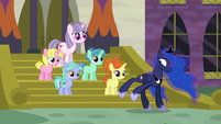 Princess Luna moving a little to the side S7E10