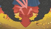 Sleeping dragon closeup S01E07