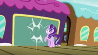 Train doors close on Starlight Glimmer S7E24