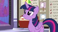 Twilight surprised at Rainbow Dash S9E17