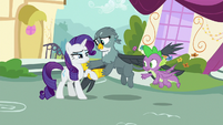 Gabby helping Rarity off the ground S9E19