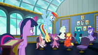 Rainbow repeats --class is in session!-- S6E24