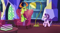 Starlight Glimmer approaches Thorax S7E15