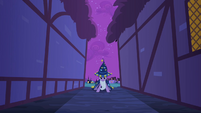 Twilight taking a stance S2E04
