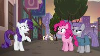 Rarity --how good you two are at giving gifts-- S6E3