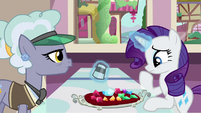 Rarity unsure of which gem to choose S9E19