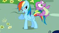Spike flying away S1E1