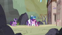 Starlight and the Our Town ponies hugging S5E26
