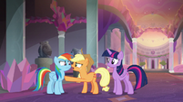 Applejack arguing with Dash yet again S8E9