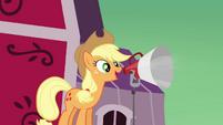 Applejack speaking through the microphone S3E08