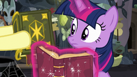 Fluttershy giving Twilight Sparkle another journal S7E20