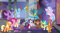 Ponies and young five cheer for Yona and Sandbar S9E7