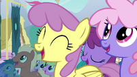 Ponies cheer for Fluttershy S4E16