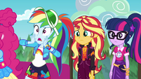 Rainbow Dash calls out to security guard EGSBP