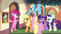 Rainbow pointing at Pinkie S2E24