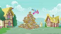 Rainbow saves Pinkie from the pie pyramid S7E23