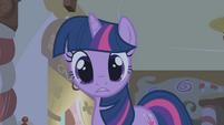"Twilight ""I saw her glance this way"" S1E09"