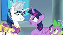 """Twilight """"break into Celestia's castle?"""" S9E4"""