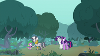 Zecora approaching winged Spike S8E11