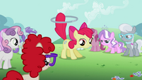 Apple Bloom about to perform a trick S2E06