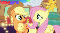 Applejack and Fluttershy look at each other confused S6E20