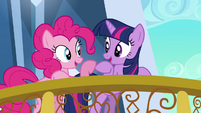Pinkie Pie and Twilight hooves close S3E1