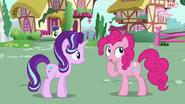 S06E25 Pinkie podmieniec próbuje przypomnieć sobie imię Starlight