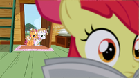 Apple Bloom reading the paper S2E23