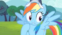 Rainbow Dash controls herself S4E05