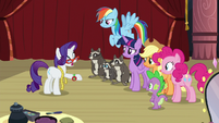 Rarity talks to her friends about Fluttershy S8E4