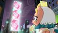 S07E26 Pinkie na billboardzie