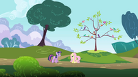 Twilight tries to end awkward conversation with Fluttershy S1E01