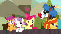 Apple Bloom tells Trouble Shoes to join in S5E6