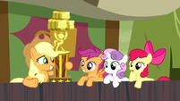 Apple Bloom uninterested -way to go- S5E6