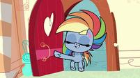 Rainbow Dash enters Sugarcube Corner PLS1E2a
