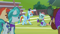 Rainbow gives nervous Ocellus her cue S9E15