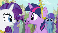 Rarity & Twilight helps a friend S3E13