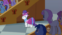 Rarity claps for Fluttershy S1E20