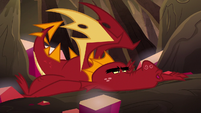Garble looking exhausted S6E5