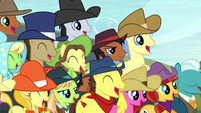 Ponies watching the hay bale monster stack S5E6